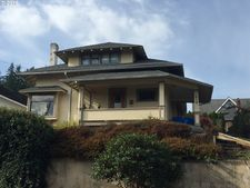 619 S 11th St, Coos Bay, OR 97420