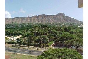 240 Makee Rd Apt 8d, Honolulu, HI 96815