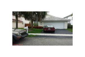 6935 NW 27th Ct, Margate, FL 33063