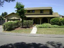 6075 Diane Ct, Rohnert Park, CA 94928