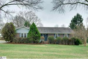 3 Riddle Rd, Greenville, SC 29607