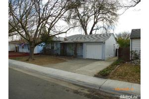 1817 Laurel Ln, West Sacramento, CA 95691