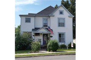 1908 Walnut St, Higginsville, MO 64037