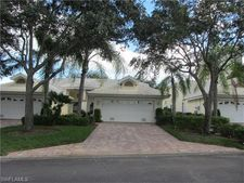 676 Wiggins Bay Dr, Naples, FL 34110
