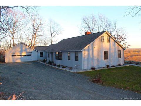 16 Mansewood Rd, Old Lyme, CT 06371