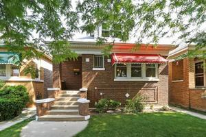 5816 W Melrose St, Chicago, IL 60634