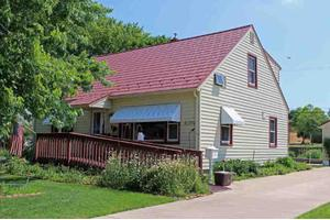5004 Shore Acres Rd, Monona, WI 53716