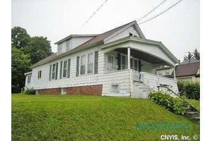 623 Helen St, Syracuse, NY 13203