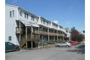 256 Washington Blvd Apt 8, Stamford, CT 06902