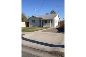415 Kaweah St, Hanford, CA 93230