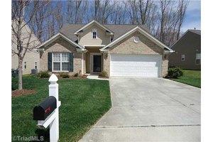 3704 Whitworth Dr, Greensboro, NC 27405