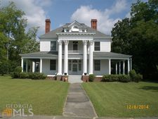 416 W Church St, Swainsboro, GA 30401
