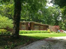 8818 N Suncrest Wood Pl, West Terre Haute, IN 47885
