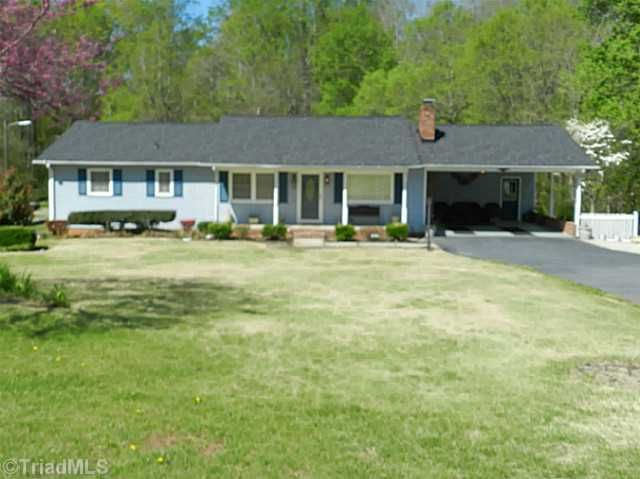 110 Roswell Dr, Kernersville, NC 27284