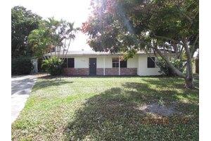 720 SE Alamanda Way, Stuart, FL 34996