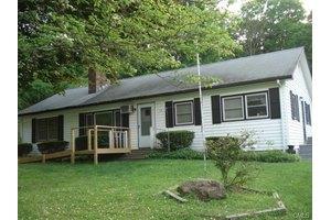 19 Shady Rest Blvd, Newtown, CT 06482