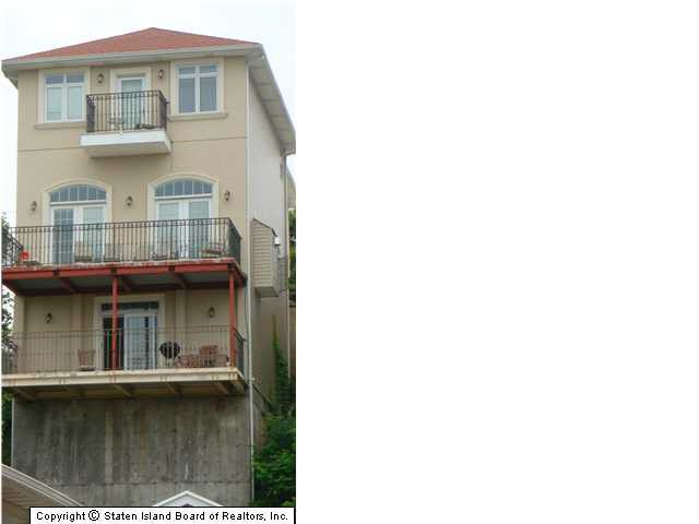 70 pouch ter staten island ny 10305 for 1893 richmond terrace staten island ny 10302