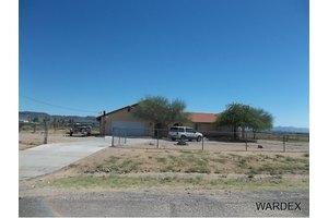 978 S San Pedro Rd, Golden Valley, AZ 86413