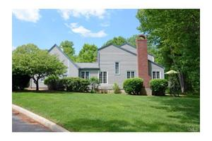 42 Gate Ridge Rd, Fairfield, CT 06825