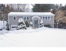8 Rockpoint Rd, Southborough, MA 01772