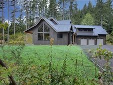 899 9Th Place Fi, Fox Island, WA 98333