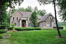 3711 Berry Ct, Crystal Lake, IL 60012
