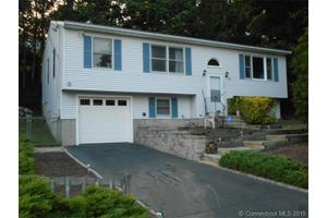 204 Highland Ave, East Haven, CT 06513