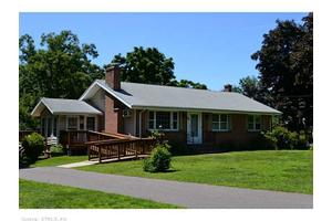 30 Cobb Hill Rd, Manchester, CT 06040