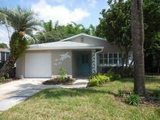 424 Hopkins St, Neptune Beach, FL 32266