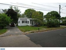 1102 Washington St, Hainesport, NJ 08036