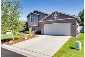 6832 N Cambridge Ln, Spokane, WA 99208