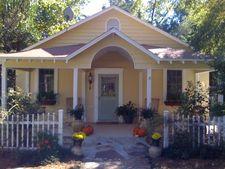 706 Magnolia Ave, Daphne, AL 36526