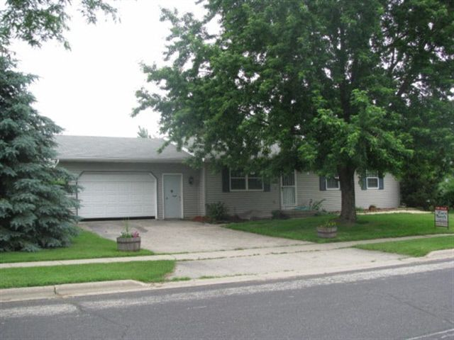 1324 Commonwealth Dr Fort Atkinson, WI 53538