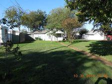 1705 N Robinson St, Cleburne, TX 76031