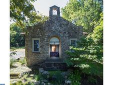 2414 Polk Valley Rd, Northampton, PA 18055