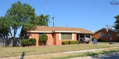 2026 Gloria Ln, Wichita Falls, TX