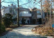 9 Lakewood Ln, Quogue, NY 11959