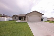 2528 Yellowstone Trl, Burley, ID 83318
