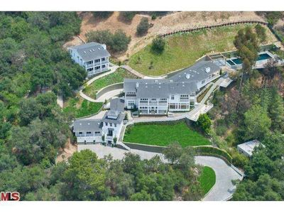 9779 Oak Pass Rd, Beverly Hills, CA 90210