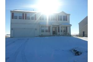 640 Settlement Dr, Maple Park, IL 60151