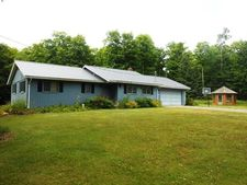 343 Sunset Lake Rd, Iron River, MI 49935