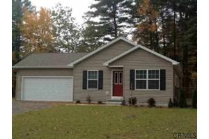 2 Old Forge Rd, Queensbury, NY 12804