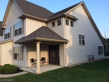 312 Lake Breeze Cv, Eastlake, OH 44095