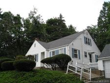 26 Cold Spring Dr, Bloomfield, CT 06002