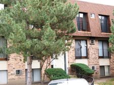 171 N Waters Edge Dr Apt 302, Glendale Heights, IL 60139
