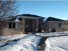 W6397 Woodhaven Cir, Marion, WI 54982
