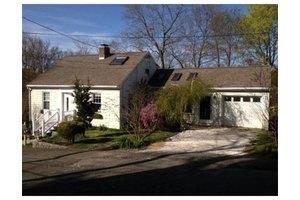16 Goldsmith Ave, Beverly, MA 01915