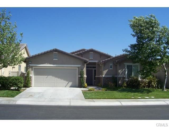 1676 clark crk beaumont ca 92223