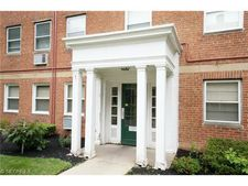 13833 Cedar Rd Apt 206, South Euclid, OH 44118