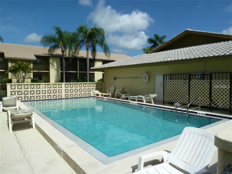 2531 Bayshore Gardens Pkwy Apt 26, Bradenton, FL 34207